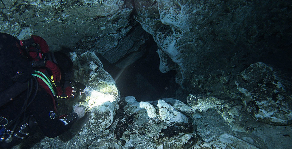 A diver exploring the Kilsby's Sinkhole
