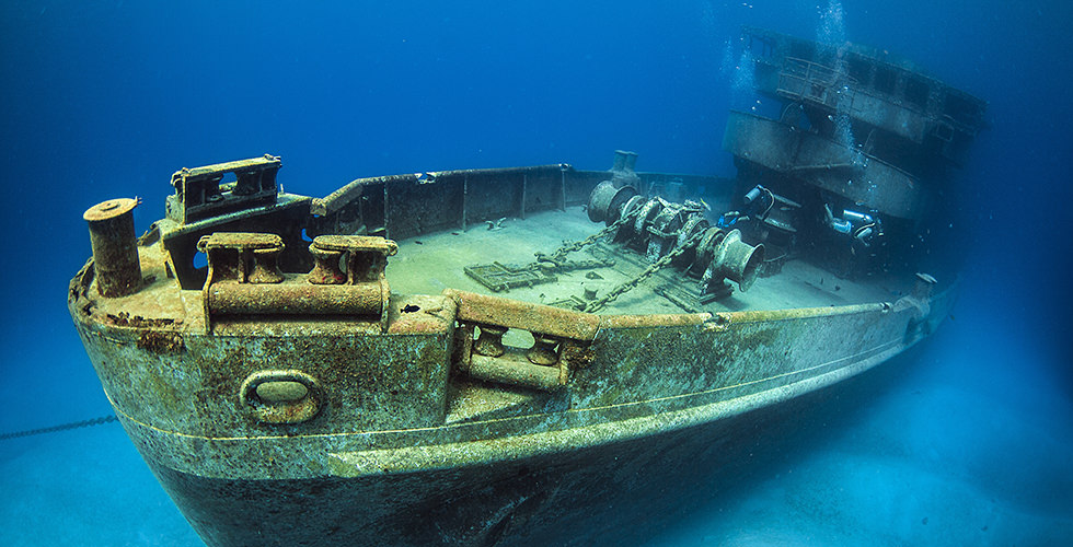 Wreck diving the 10 best dive sites in the world diviac - Best dive sites ...